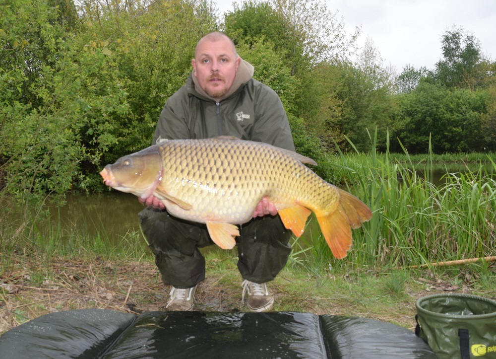 Darren's 35lb pb common, caught on traditional tackle