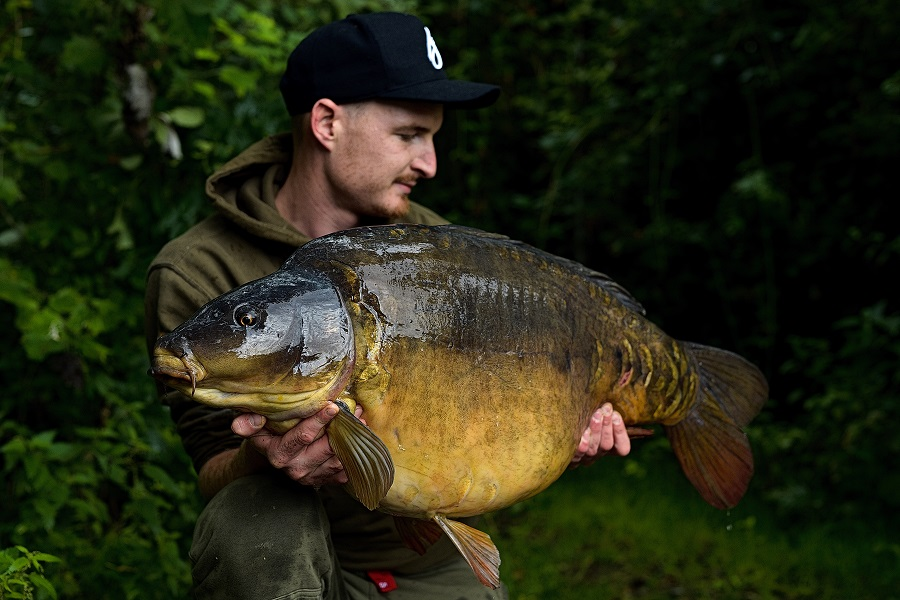 Ross's other mirror went 37lb 8oz