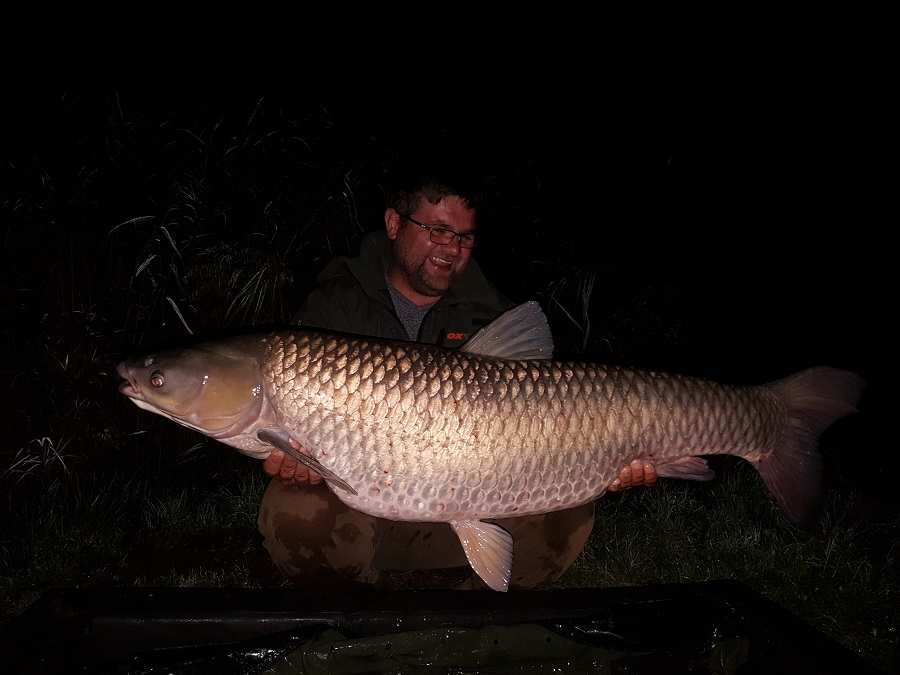 Arron caught a lake-record grassie at 63lb 4oz