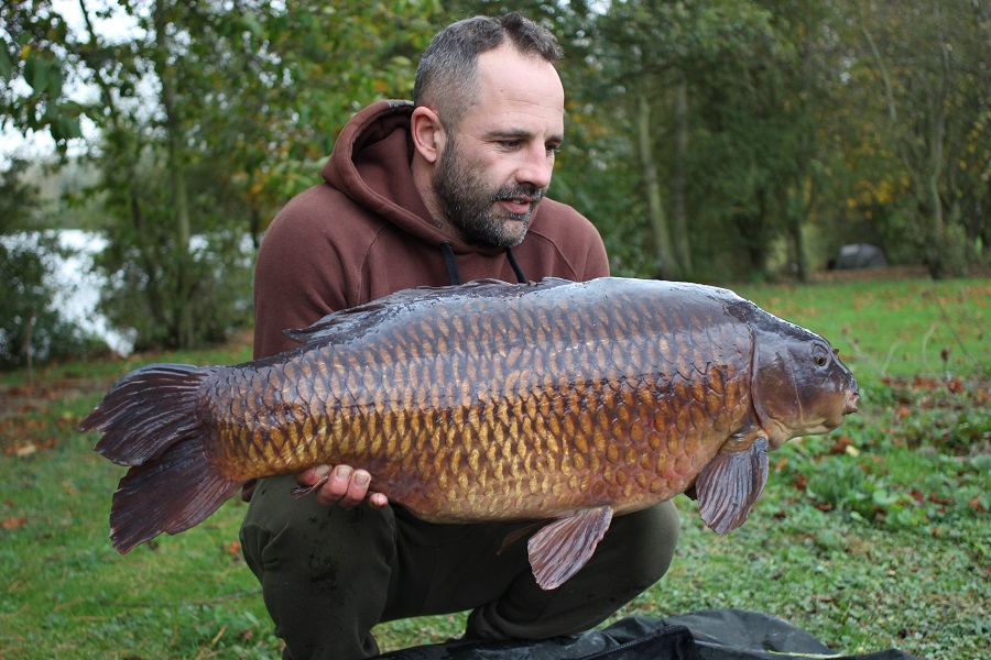 Gav couldn't resist another trip out and bagged this 34lb 8oz Bluebell common