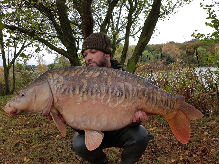 This scaly mirror, known as the Beauty Queen,went 37lb 12oz