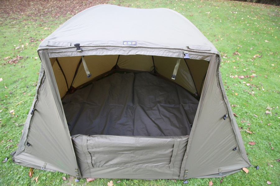 Groundsheet and stormpoles are included