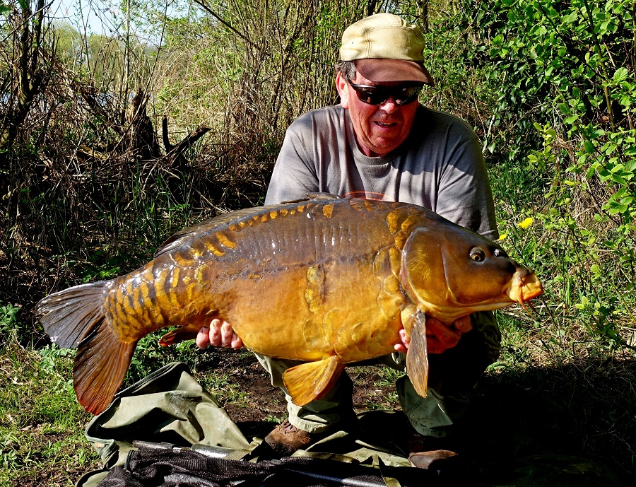 The smaller fish weighed 44lb 2oz