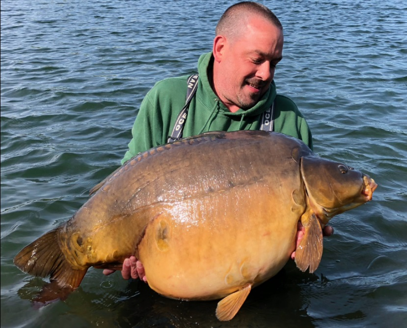 Holme Fen's FOURTH different 60 at 64lb 2oz
