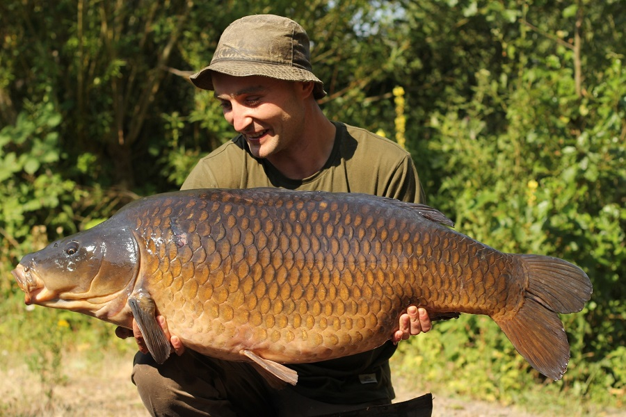 The mighty Burghfield Common at 53lb 8oz (pic courtesy of Oxford Carp Baits)