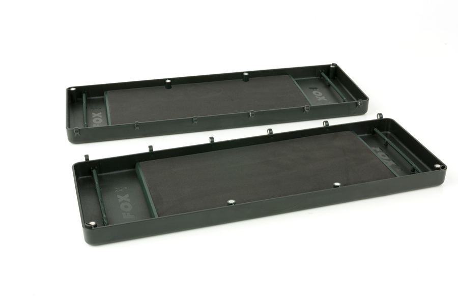 The trays come apart thanks to the magnetic hinges
