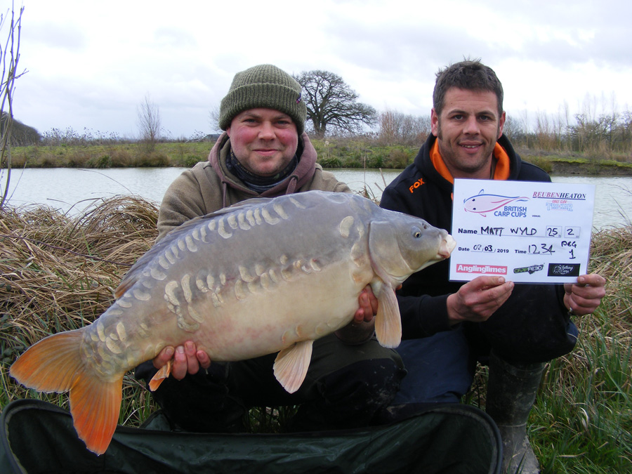 Winner Matt with the biggest fish of the weekend