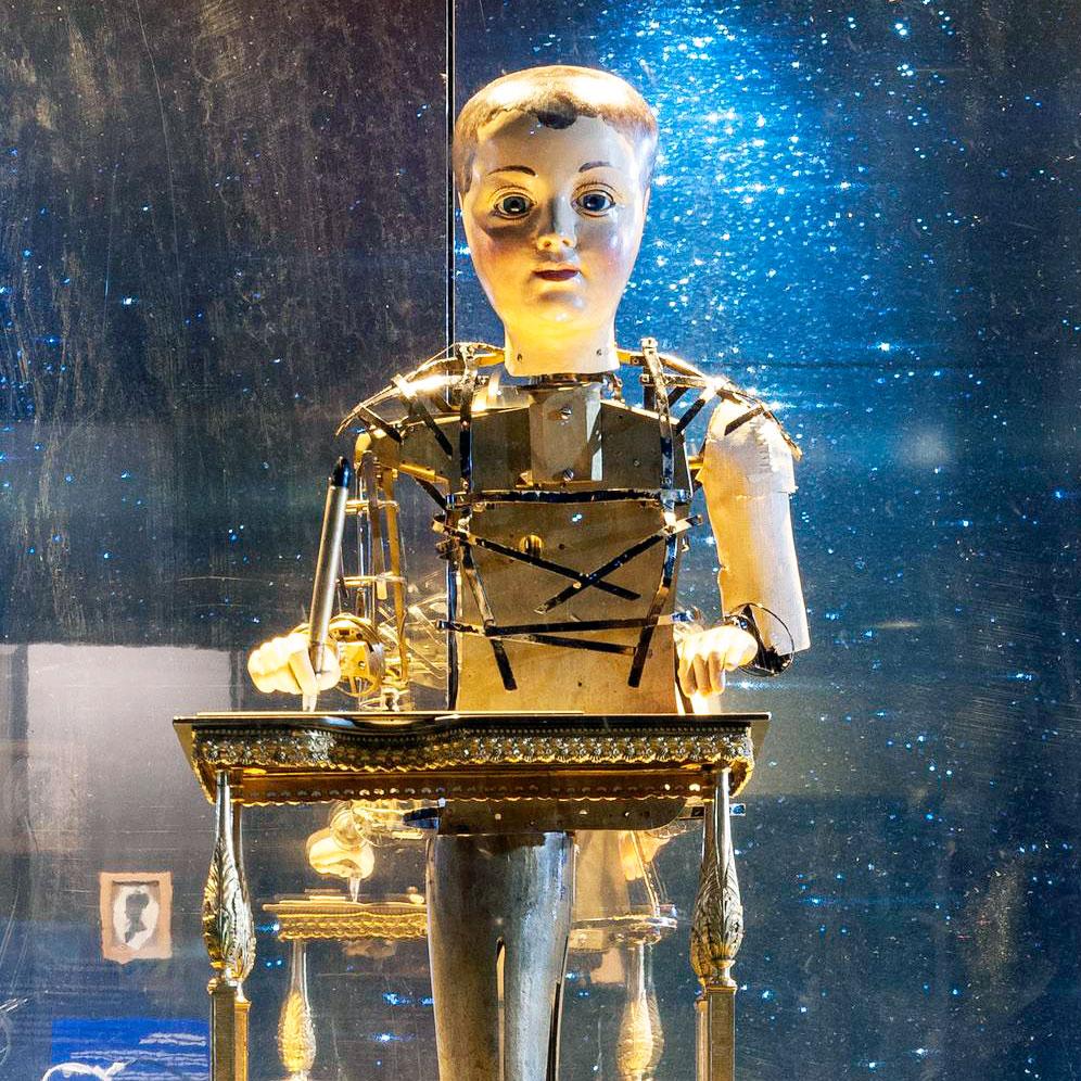 The Automaton Draughtsman-writer by Henri Maillardet, London, c.1800.