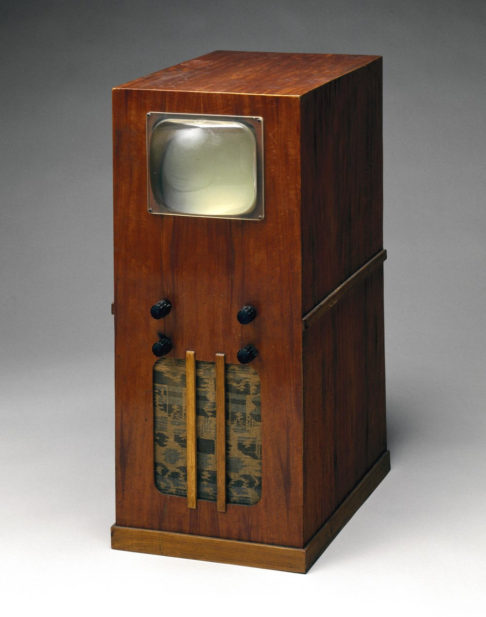 Home-made television receiver built from a Premier Radio kit (1945-1955). More information