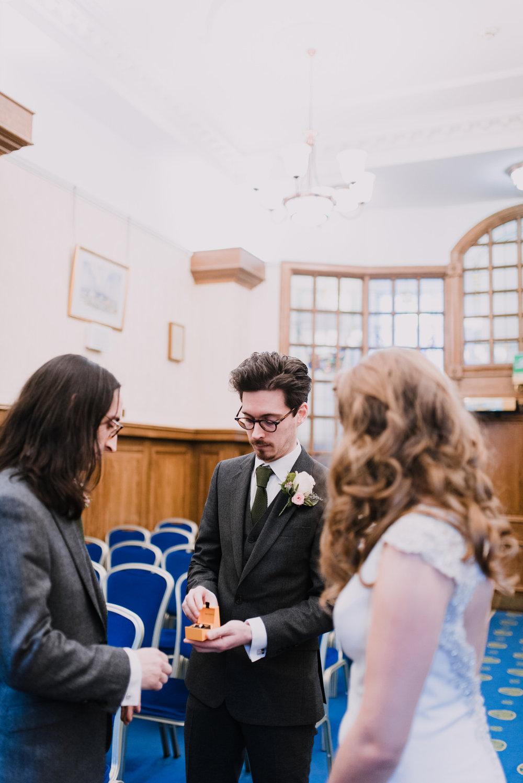 Belfast City Hall Wedding Photographer13.jpg