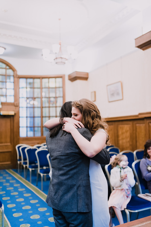 Belfast City Hall Wedding Photographer17.jpg