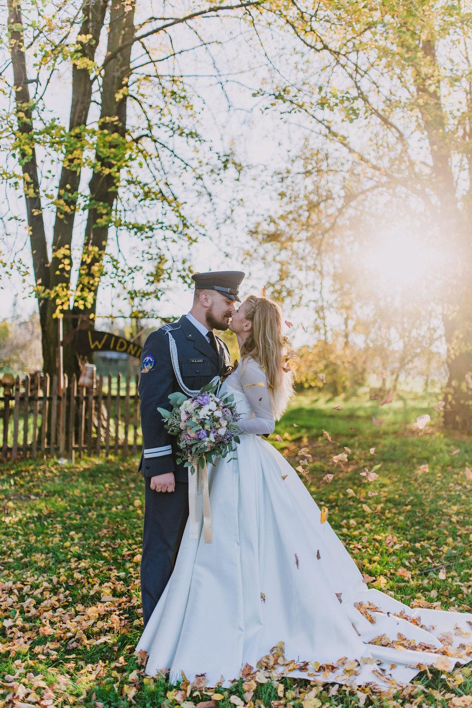golden hour wedding photos, english speaking wedding photographer in Europe, destination wedding photographer.jpg