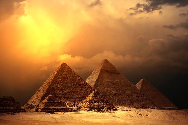 beesker egyptian pyramids.jpg