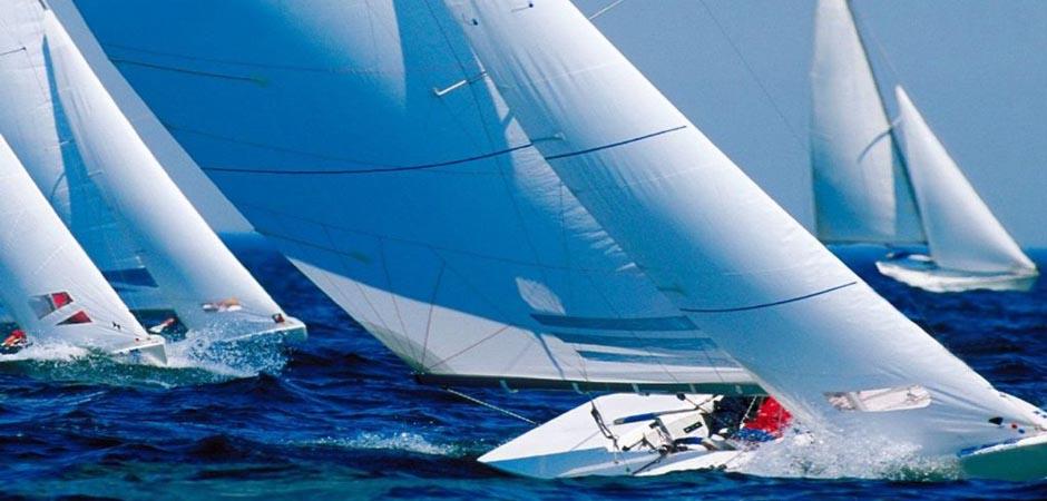 beesker sailing.jpg