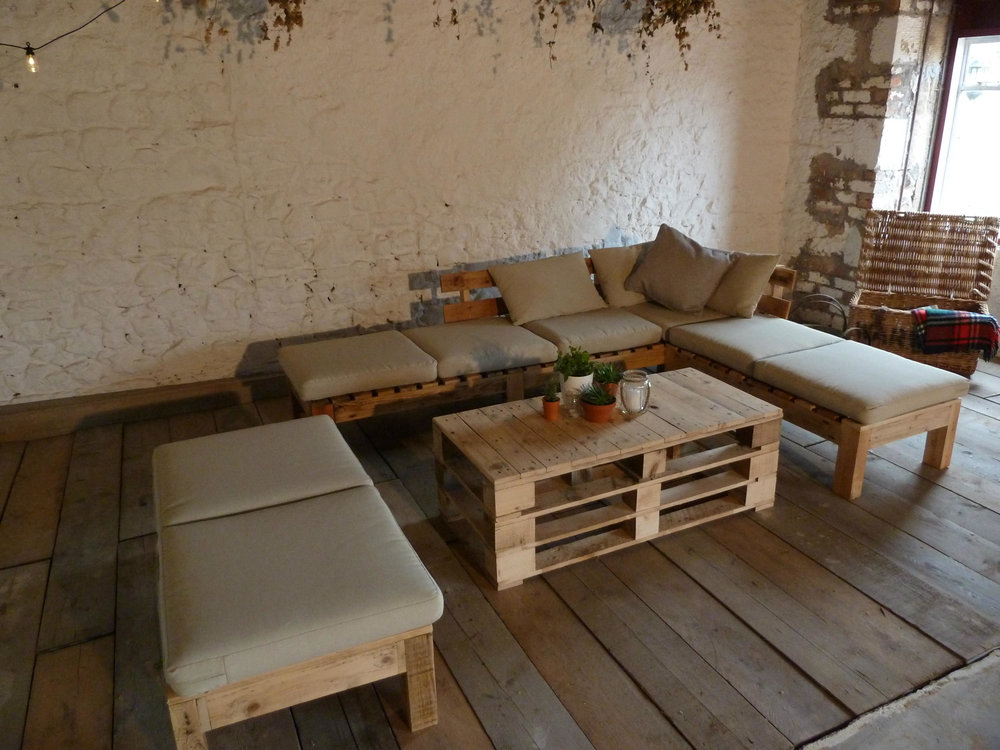 Rustic Lounge Set/ Wedding Lounge Hire