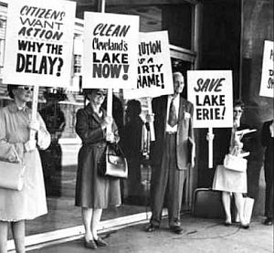 1960s: Citizens of Cleveland, Ohio protest over the pollution of Lake Erie. Source: Cleveland Foundation.