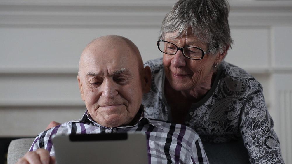 Cyber-Seniors_Image1.jpg