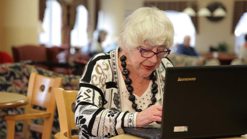 Cyber-Seniors_Image5.jpg