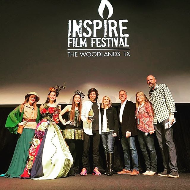 Our festival attendees voted and @thecrashreel is the audience favorite this year. Here we have Jane Minarovic, our festival founder along with representatives from @howardhughescorp with @kevinpearce the subject of the film accepting the award! Thank you all for voting and congrats to The Crash Reel! PC: @hellowoodlands  #inspirefilmfestival