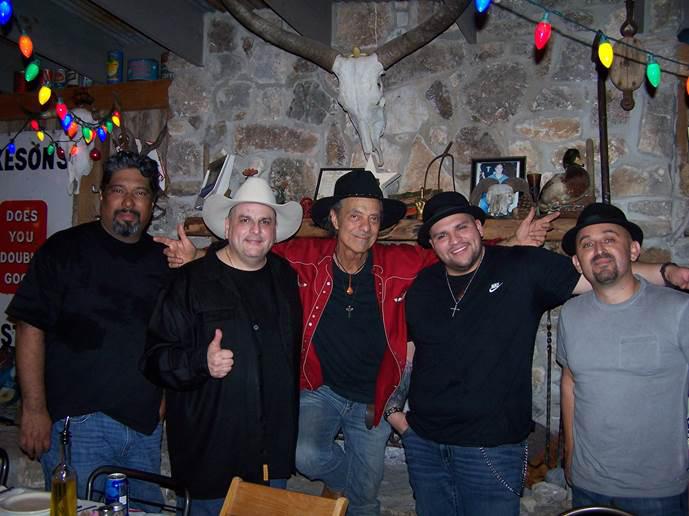 Los Tex Maniacs.jpg