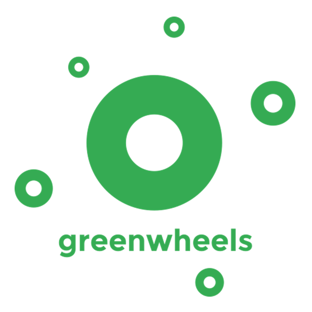 Greenwheels    Greenwheels bestaat sinds 1995 en is de grootste aanbieder van stationbased deelauto's in Nederland.   Autodelen  Hoe meer auto' s er op de weg zijn, hoe meer vervuiling, files,en kosten. Dat is vervelend, voor het milieu en voor de portemonnee. Omdat de leden van Greenwheels hun auto' s met elkaar delen,belasten zij het milieu een stuk minder. En maken zij minder kosten. Op die manier genieten leden van Greenwheels wel van de voordelen van de auto, maar hebben ze minder last van de nadelen.Zo is een Greenwheels auto een auto waarover je beschikt, niet een auto die je bezit. Een auto om dan weer een bank mee te verhuizen,dan weer een dagje mee uit te gaan met het gezin.
