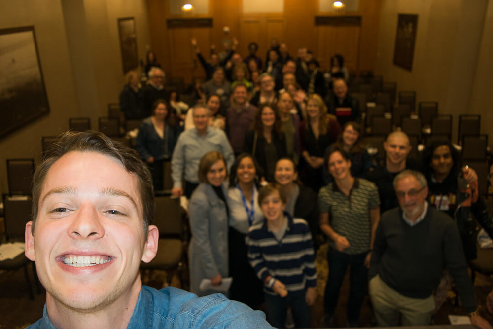 Take the necessary epic selfie after a panel discussion on emotions and T1D. Look at all those smiling faces.