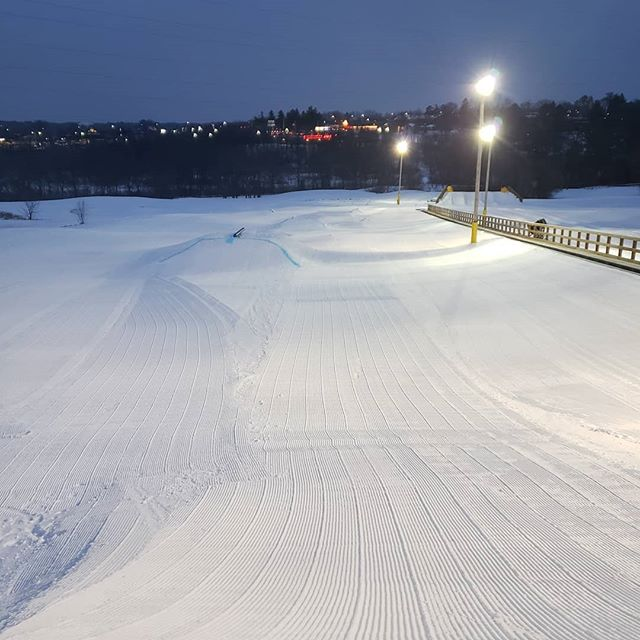 Lane 1 is running quick. Come out for $5 after 5pm! Going to be a great weekend for winter fun! Hope to see you out on the hill! #snowparkatalpinehills #5after5