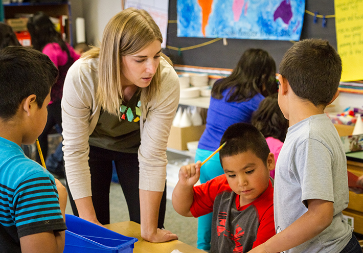 Camille Jones, 2017 Washington State Teacher of the Year. Teaching students in classroom.