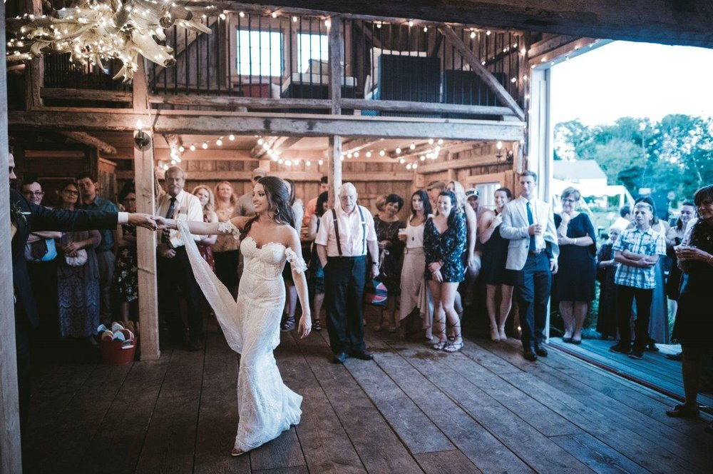 first dance maine wedding barn