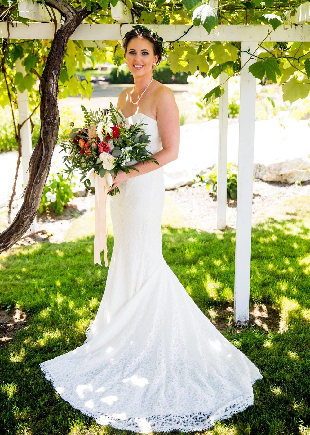 bridal portrait grape arbor