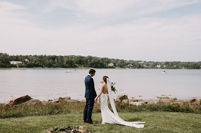 Here's a tranquil moment for your Wednesday... ⁣ .⁣ #livewellfarm #TheSnovaks⁣ .⁣ Karina + Seth | August 25, 2018 | Venue: @livewellfarm | Event Coordination: @genevamwc #genevamwc | Bartending & Catering: @111maine | Rentals: @onestopeventrentals | Music: @isaiahwbennett | Florals: @prettyflowersmaine | Photography: @lindsay_hackney and 2nd shooter @courtney_elizabeth_media | Dessert: @holydonutmaine⁣ •⁣ •⁣ •⁣ •⁣ •⁣ #LiveWellLoveWell #CoastalWedding #FarmWedding #FarmWeddingVenue #MaineWedding #APWwedding #WeddingWireRated #NewEnglandWedding #RealWeddingInspiration #MaineWeddingVenue #BarnWedding #MarryInMaine #HuffPostIDo #WeddingPhotoMag #JoyWed #BackyardWedding #207weddings #RusticWeddingChic #WCvendor #RealMaineWeddings #TheMaineBride #ItStartedWithYes #GreenWeddingShoes #TodaysWedding⁣