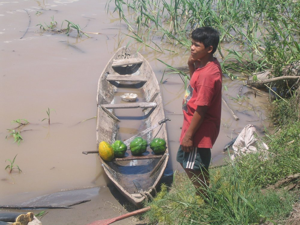 fruit boat peru.jpg