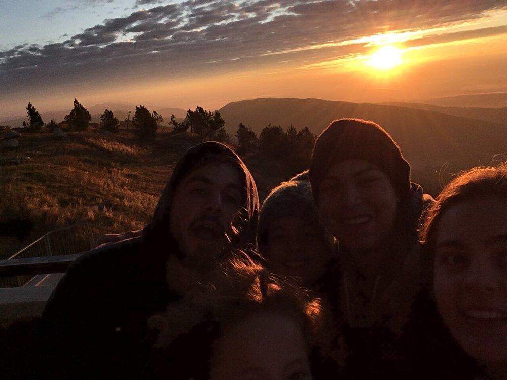 Glückliche Gesichter bei der Sonnenaufgangswanderung HELA17