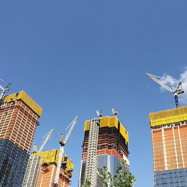 Coming up... #construction #hudsonyards #nyc #tb #nofilter . . . . . . #architecture #skyscraper #colorfield #thehighline