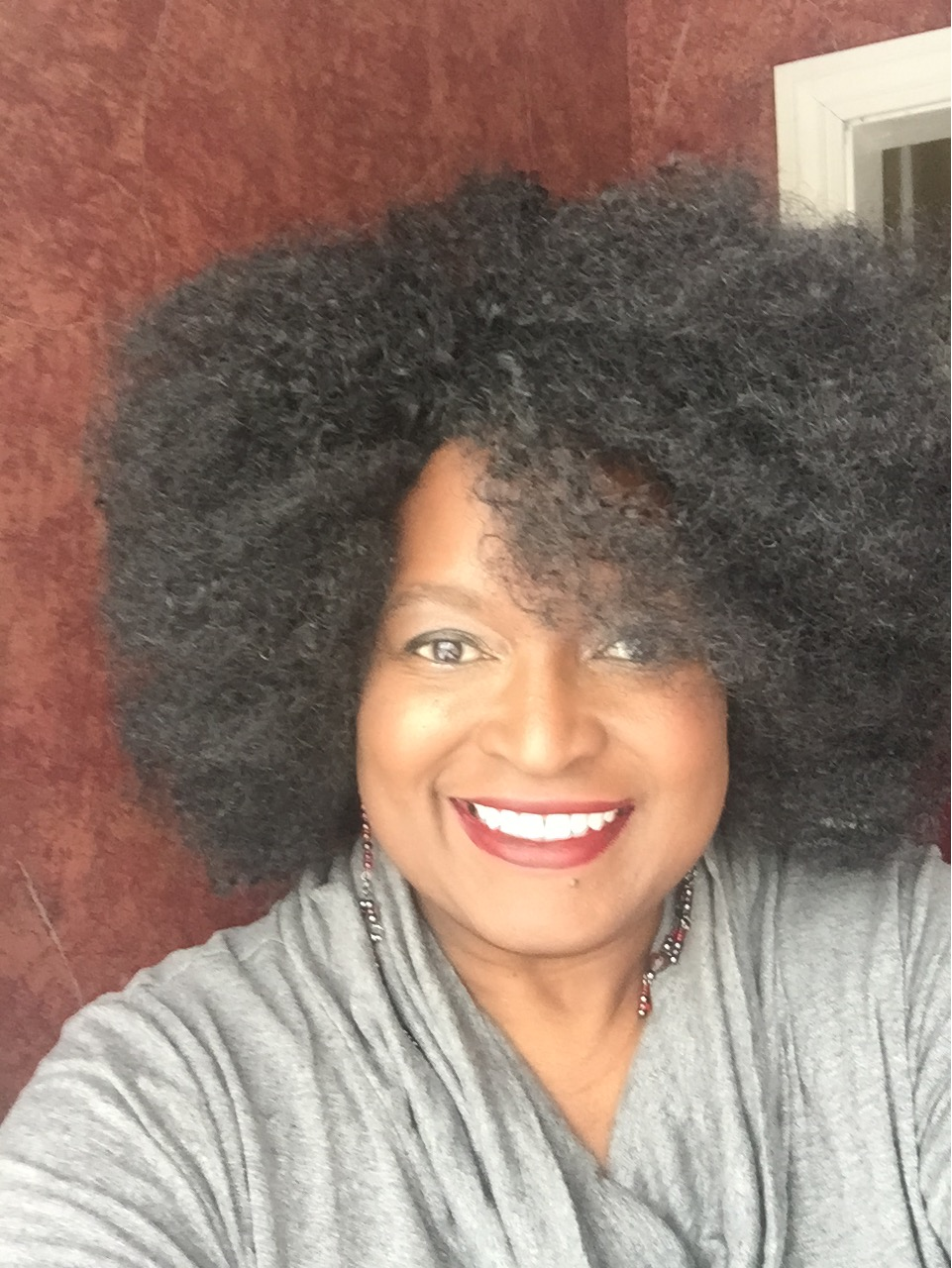 "Today on ""LoveBabz LoveTalk"" host Babz Rawls-Ivy talk with Author Nicole Blades about her book ""The Thunder Beneath Us"", and the journey of her success."