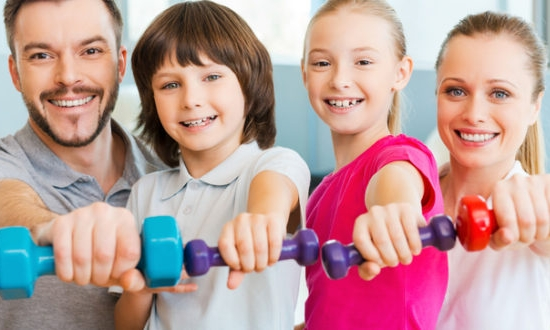 family-with-dumbbells-pic-660x330.jpg