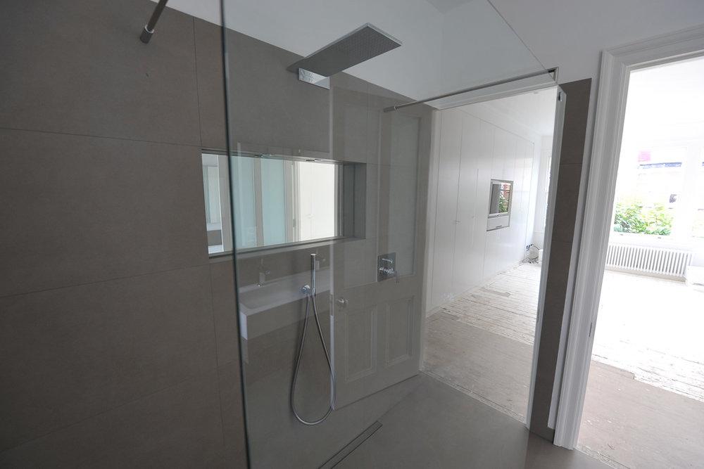 lavendar---showerrm2.jpg