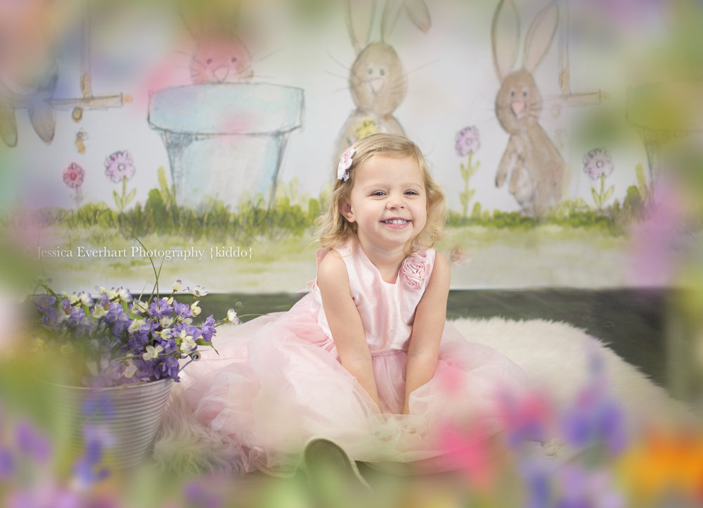 Spring Minis  $60 - 30 Min Session 10 digital images released on an online gallery. Sessions are in studio and are limited to 3 kiddos per session (additional children are $10). $30 Retainer is required for booking.