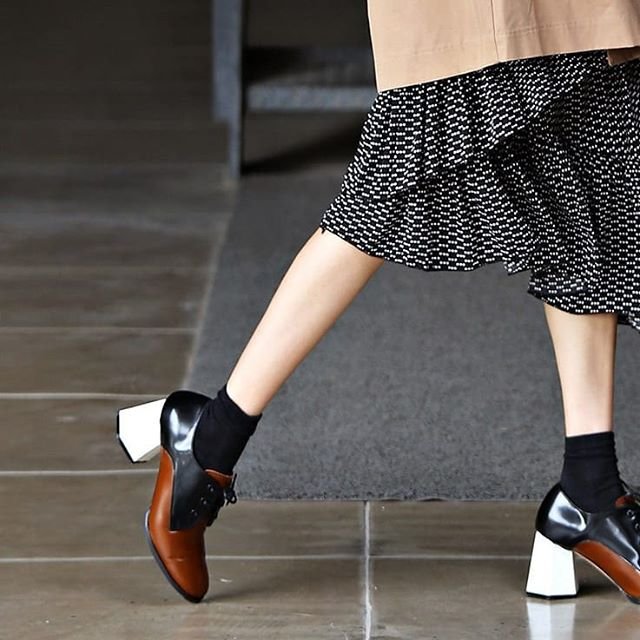 For all the working girls introducing our Working Girl Geometric Oxford. . . . . #dailyshoes #oxfords #designerfashion #designerheels #colorblock #sotd #ootd #fashioninspo #styleinspo #stylegram #styleinspiration #blockheel #springshoes #springfashion #menswear #menswearinspired #fashiontrends