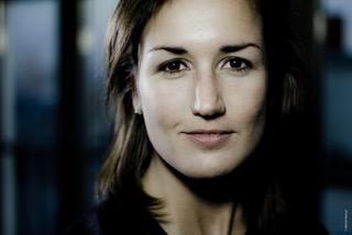 Jeanne Dussueil, Frenchweb