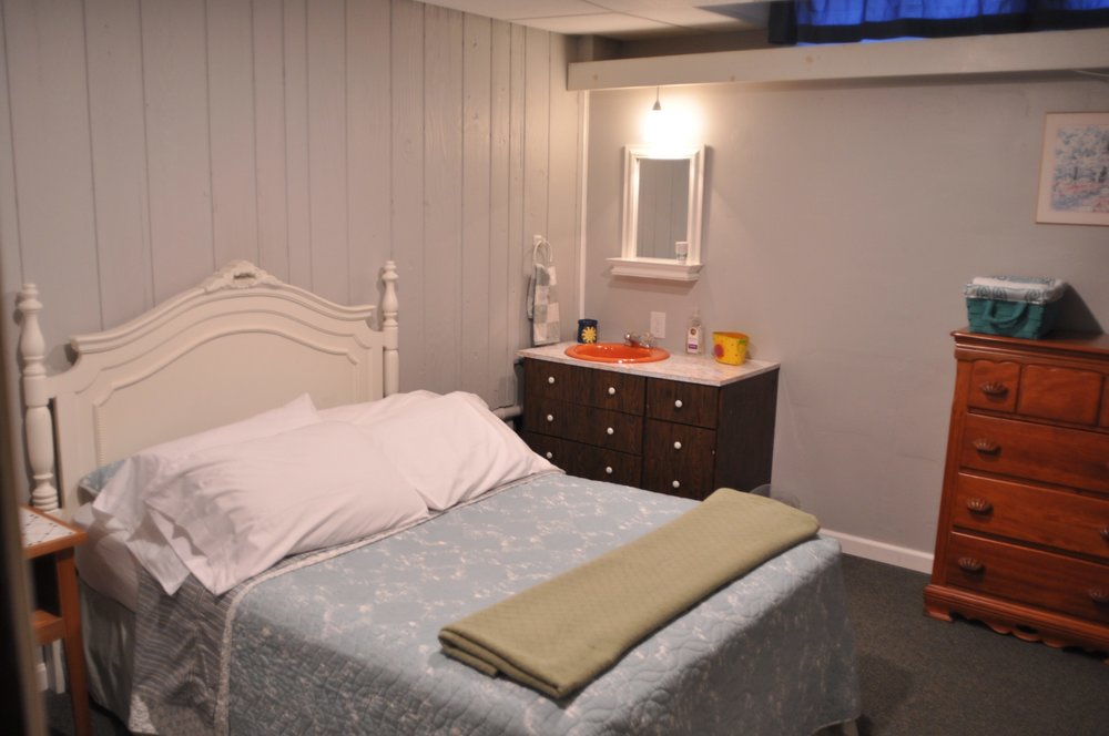 Extra (7th) Bedroom with Full Bed, plus Washer and Dryer.