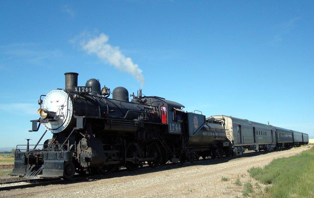 Costilla train.JPG