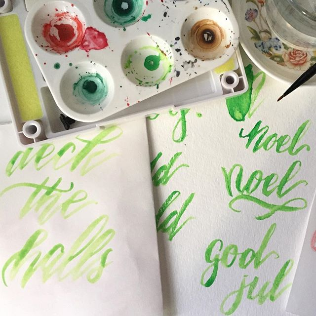 Figuring out what brushes to use for some brush lettering  #brushlettering #brushcalligraphy #handpainted #handdrawn #handmade #christmasspirit #christmas #christmastime #christmas2016 #calligraphy #calligraphynewbie #leftycalligraphy #brush #brush #watercolor