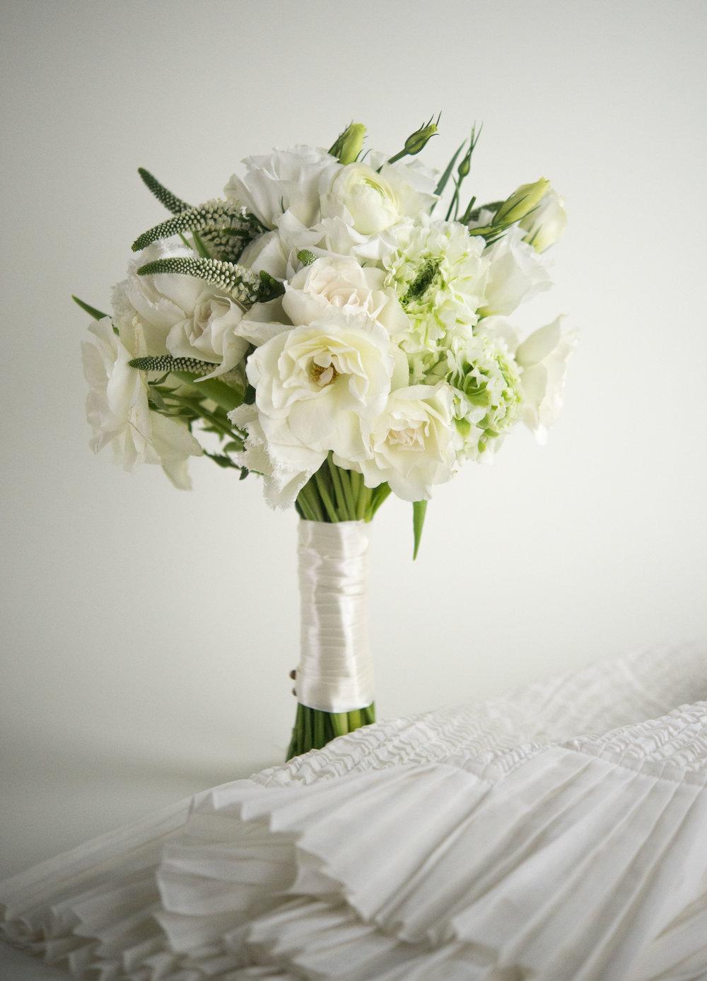 white bride_1.jpg