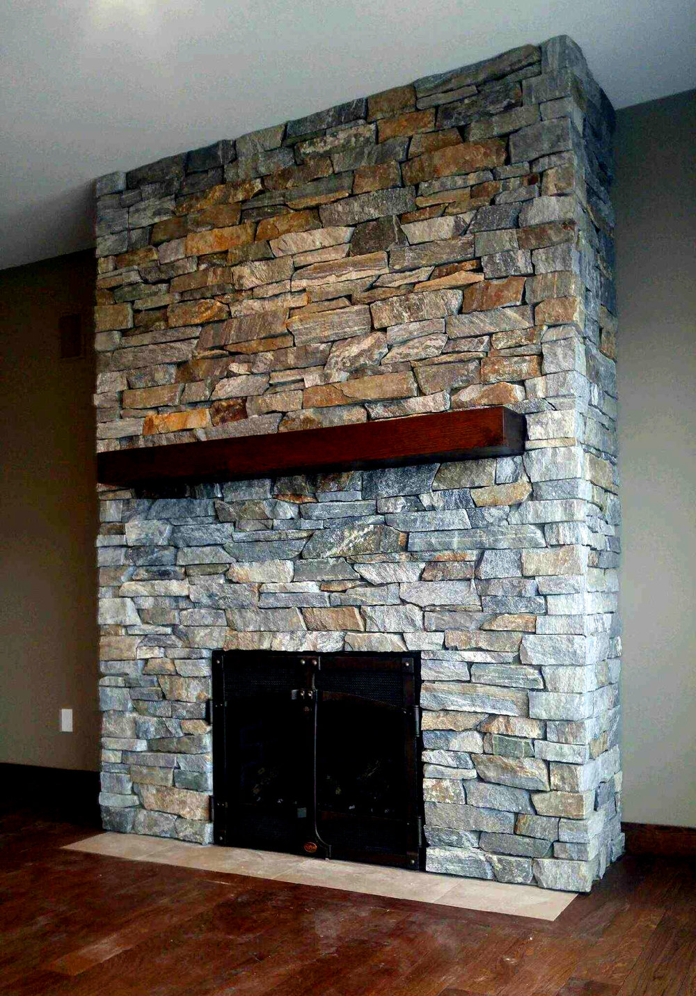 natural_rock_fireplace_cranbrook