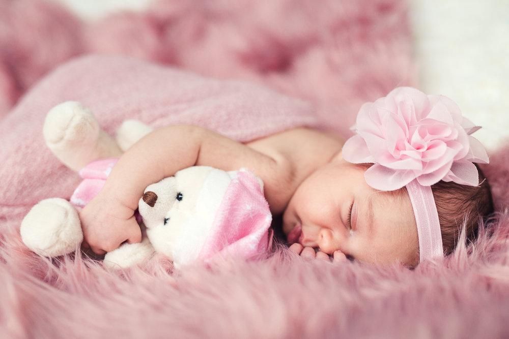 Milana_Newborn-34.jpg