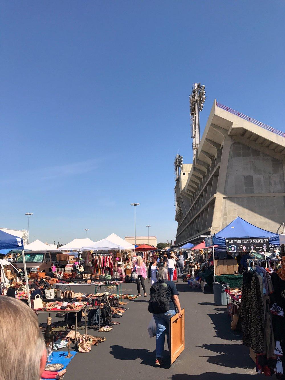 Long Beach Antique Market