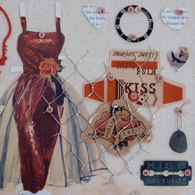#paperdolldress #fiveeasypieces #midlifecrisismaybe #swallow #vintagerazorblades #bombshelldress #paperdresses