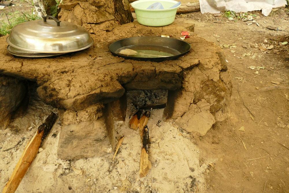 土でできた台所