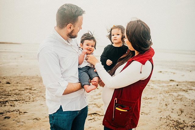 Crazy weather here last night and this morning 🌧🌧🌧 Hopefully rain in April (!) means the summer won't be as bad? 😬🤞🏻 We all know it's coming though and now is the time to book your family story before it's boiling outside ☀️ . . . #bahrain#bahrainphotographer#bahrainfamilyphotographer#lifestylephotography#lookslikefilm#looksliekfilmkids#momtogs#dearphotographer#childhoodunplugged#bahrainfort#ksa#dubai#mumsinbahrain#nsabahrain